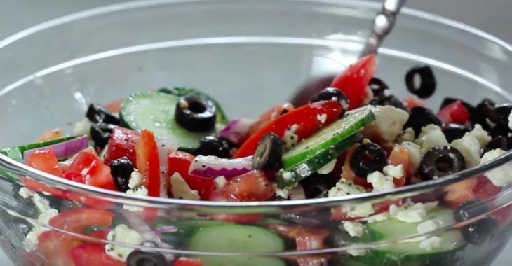 Recette facile: une succulente salade grecque estivale
