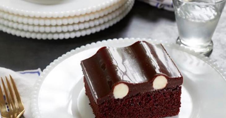 Voici l'histoire derrière le « Bumpy Cake », la recette centenaire qui enflamme Internet!